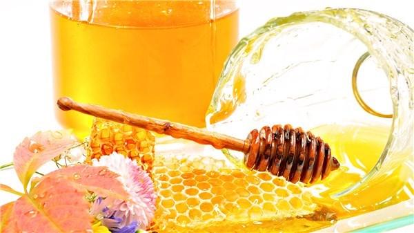 Мед полезен для желудка