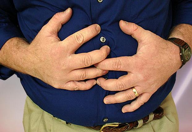 Боль в животе является основным симптомом