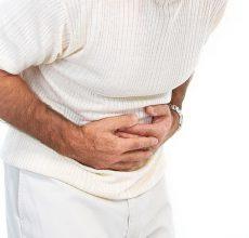 Когда болит живот и температура — что это?