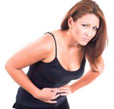 О чем сигнализирует колющая боль в желудке?