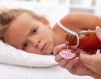 Чем помочь, если у ребенка после еды болит живот?