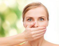 Причины кислого запаха изо рта