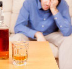 Почему возникает понос после алкоголя?