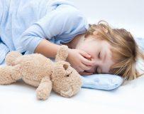 В каких случаях ребенка может рвать желчью?