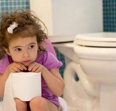 Как лечить запор у ребенка в 4 года?