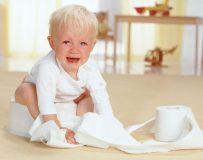 Почему возникает запор у ребенка в 2 года и как его лечить?