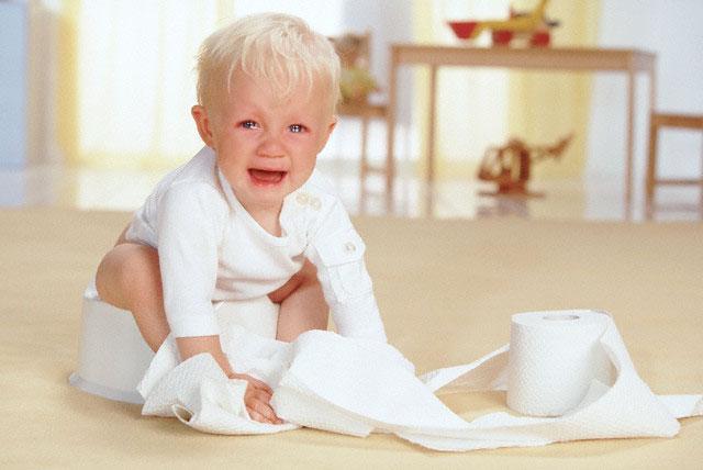 При запоре ребенок капризничает