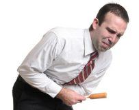 Возможные причины отрыжки и боли в желудке