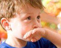 Основные причины отрыжки у ребенка