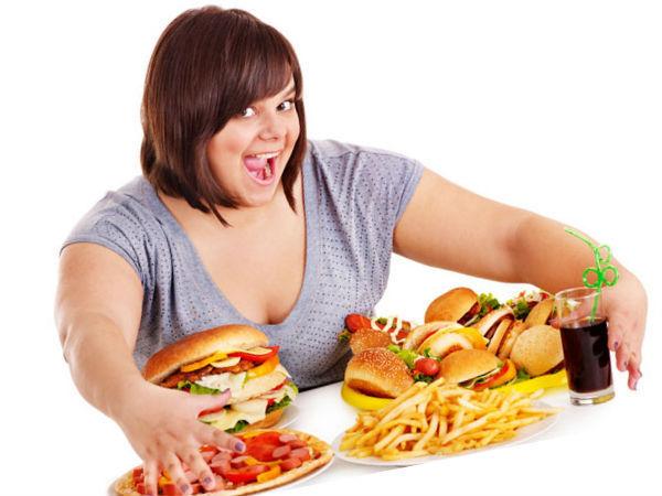 Переедание - частая причина расстройства пищеварения