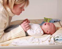 Почему возникает запор у новорожденного?